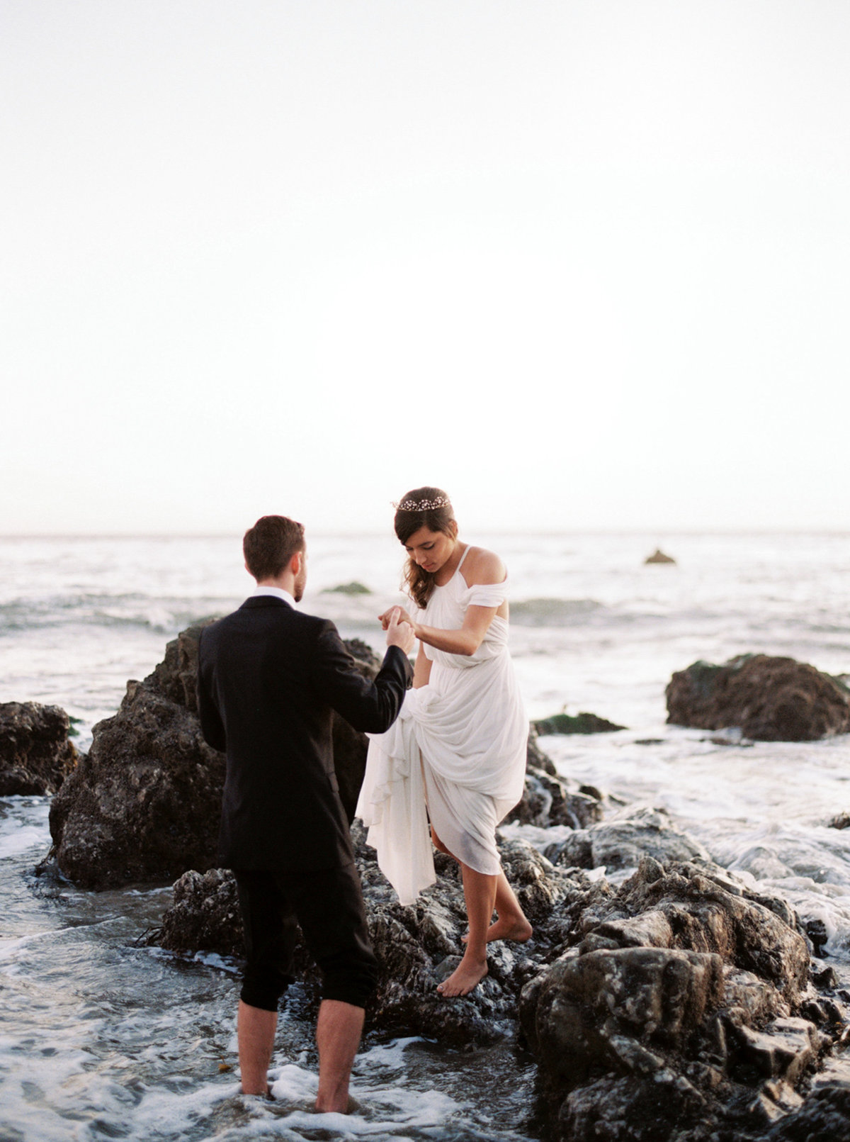oceanside-elopement-destination-california-style-me-pretty-melanie-gabrielle-photography-62
