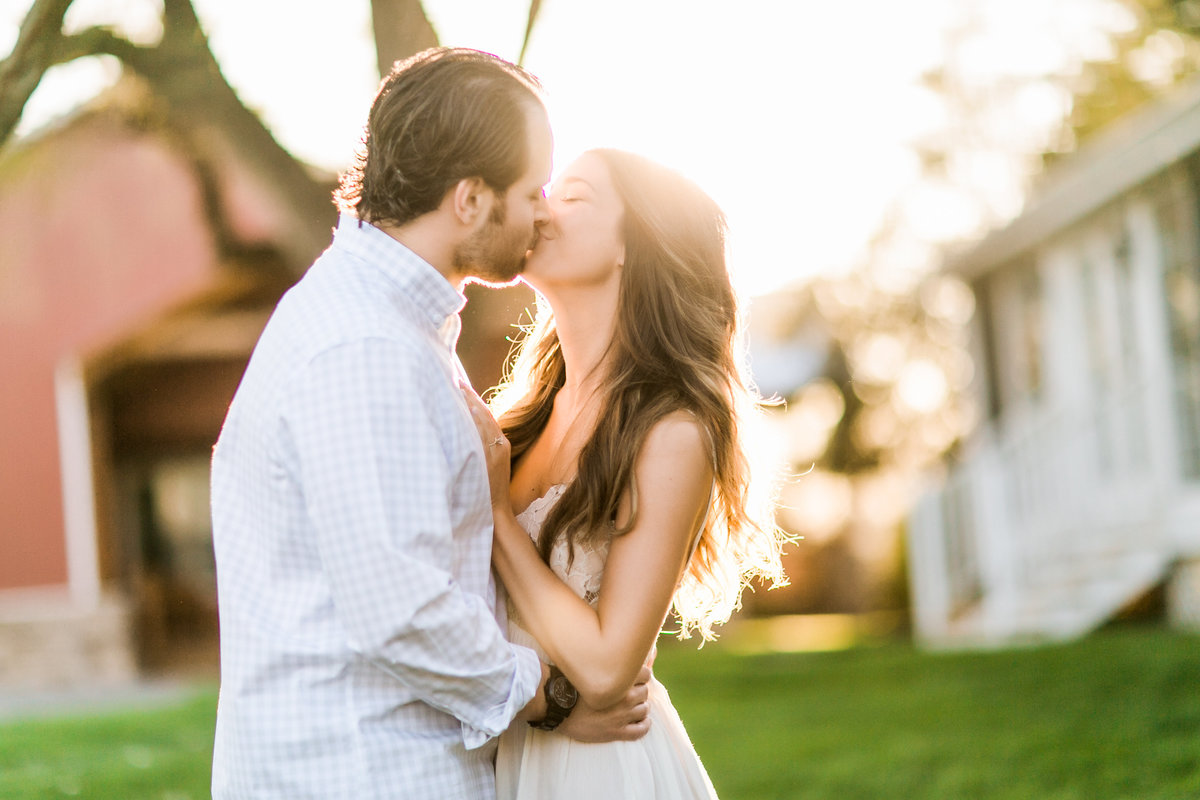 CedarLakeCellarsEngagementSession_MissouriWeddingPhotographer_CatherineRhodesPhotography-34