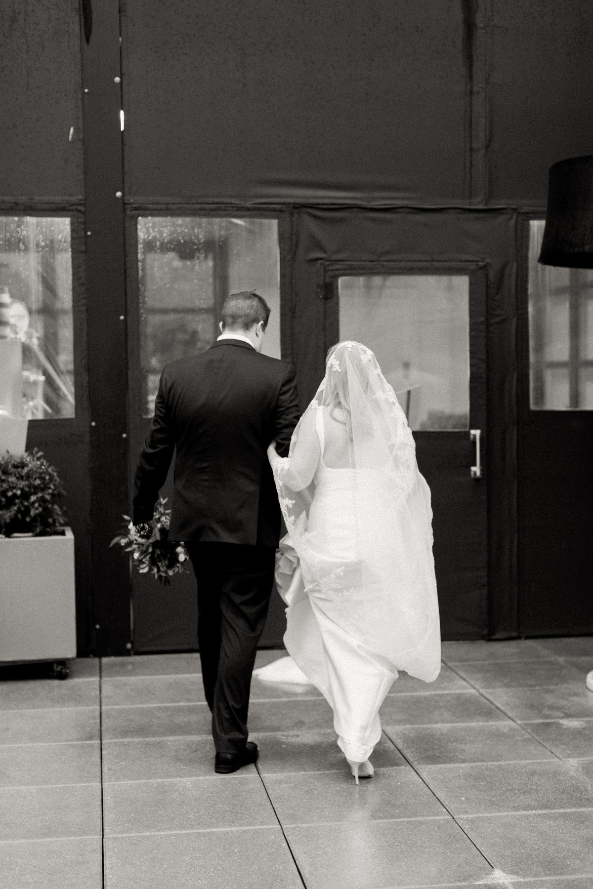 TiffaneyChildsPhotography-ChicagoWeddingPhotographer-Kimberly+Jimmy-ChicagoRenaissanceHotelWedding-BridalPortraits-67