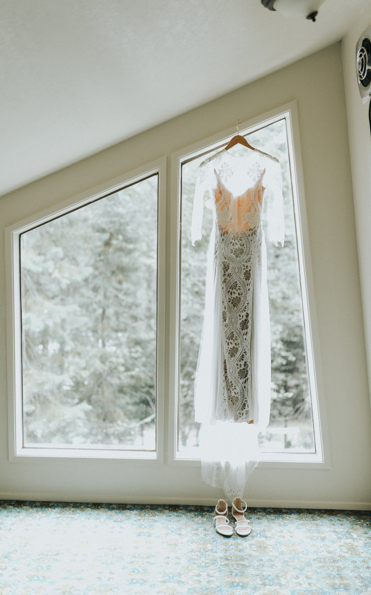 Grace Loves Lace wedding dress for mountaintop elopement in Hurricane  Ridge Washington