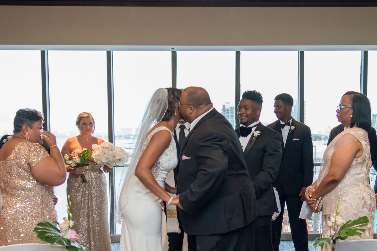 NFL Miami Dolphins Brandon Radcliff ShaKyra Radcliff Briza on the Bay Wedding Andrea Arostegui Photography-111