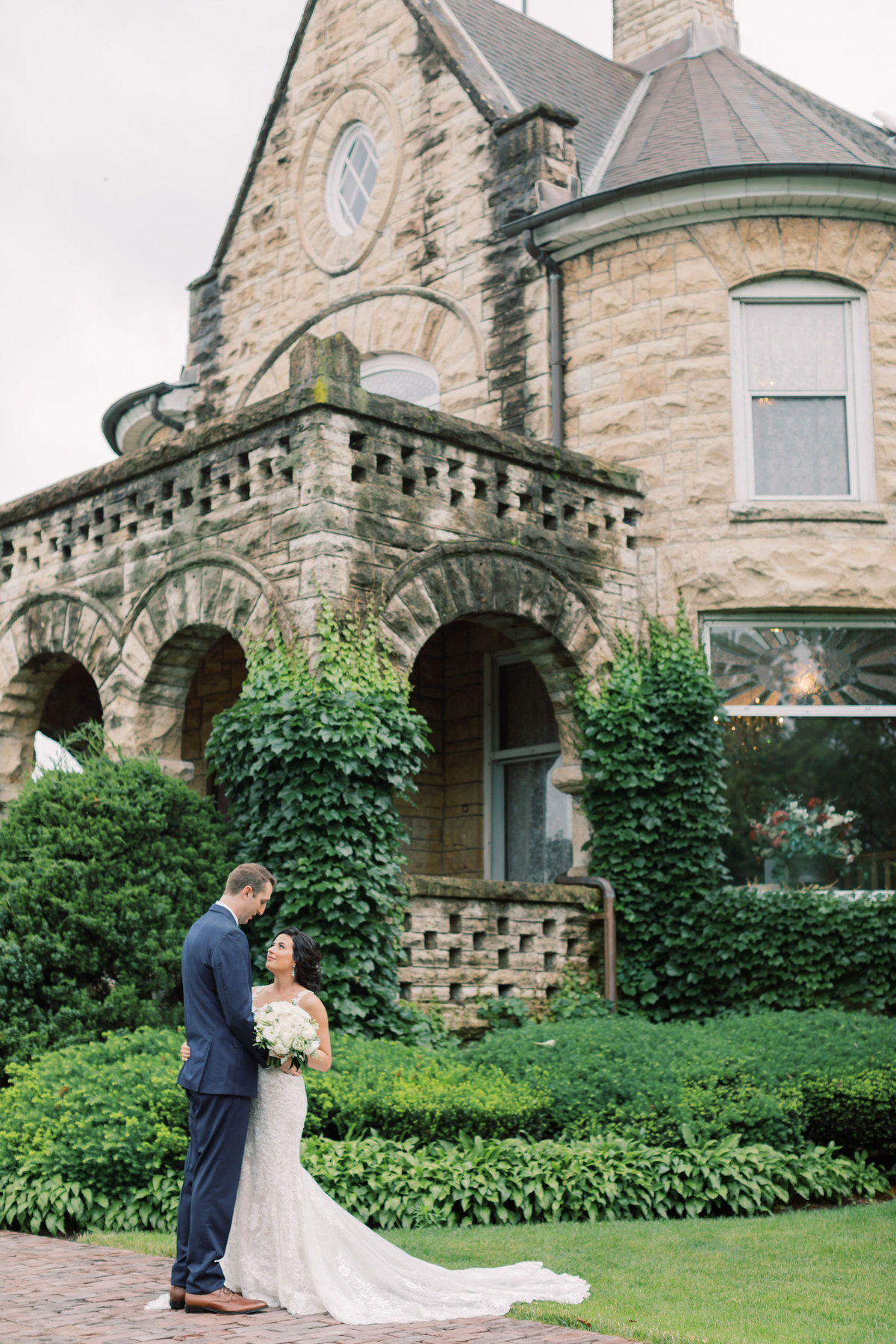 TiffaneyChildsPhotography-ChicagoWeddingPhotographer-Kirsten+Jeff-PatrickHaleyMansionWedding-80