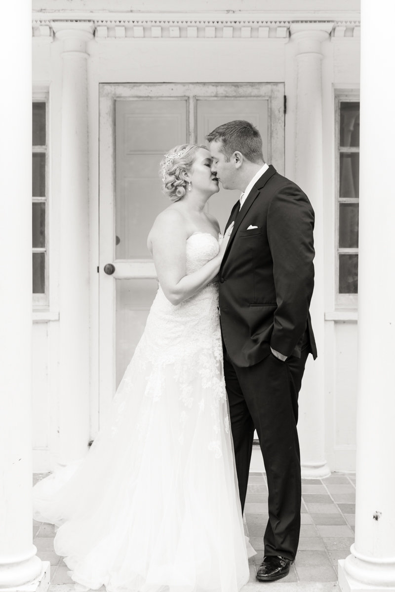 Ottawa-Wedding-Photographer-bride-groom-billings-estate-wedding-photo-1