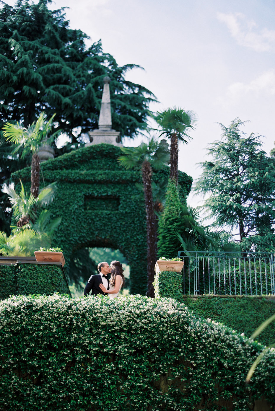 lake_como_italy_villa_balbianello_destination_wedding_melanie_gabrielle_025