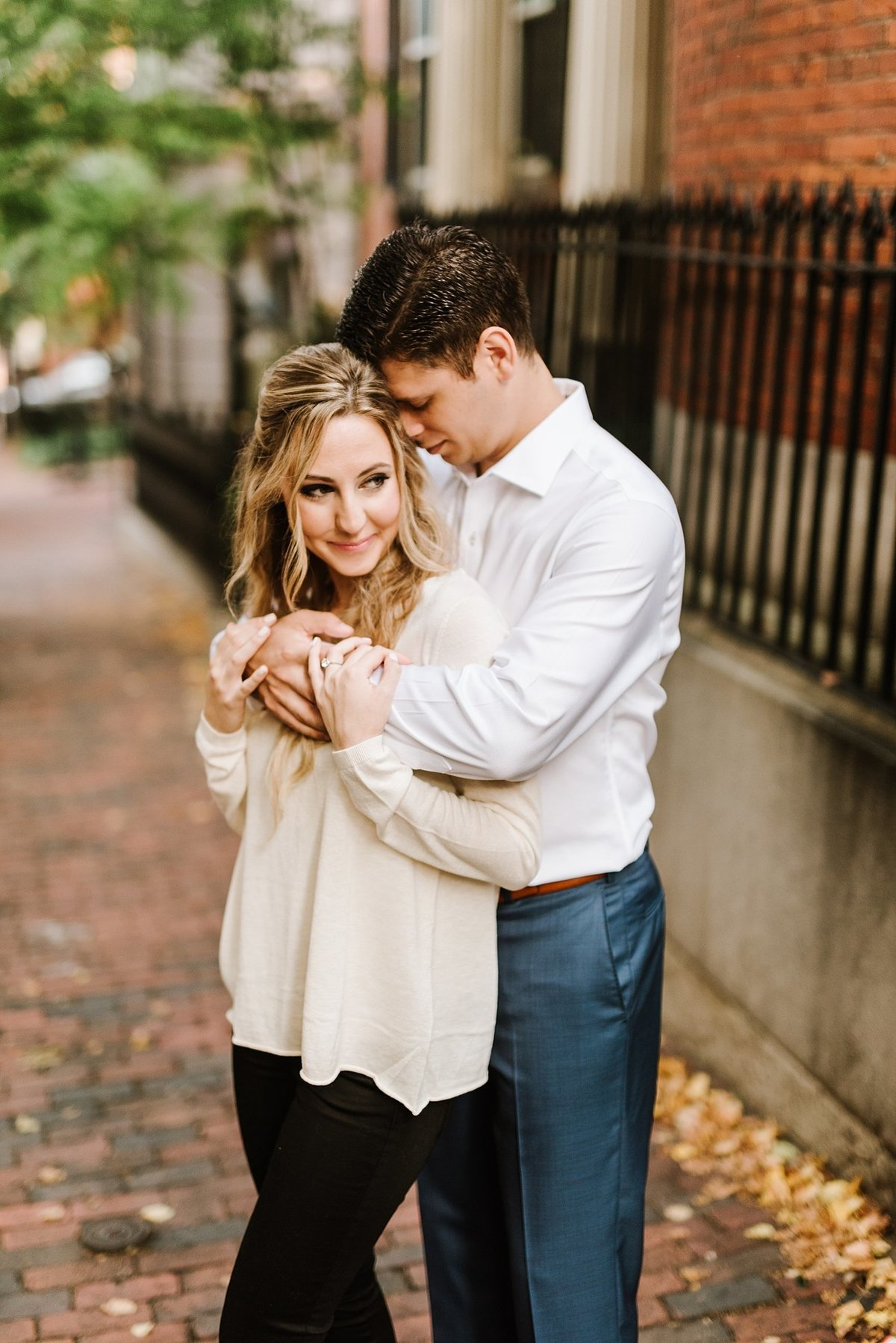 boston-public-garden-beacon-hill-boston-wedding-photographer-engagement-photo_0017