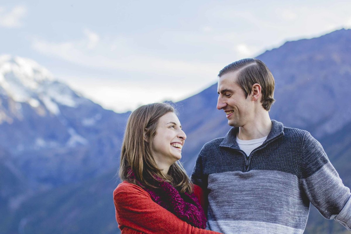 Alaska-Natural-Light-Couples-Portraits-74