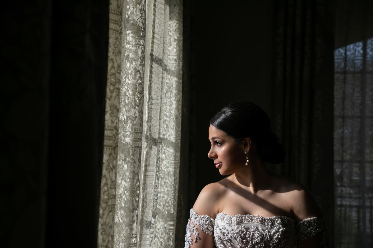 NJ Wedding Photographer Michael Romeo Creations Park Château Bride