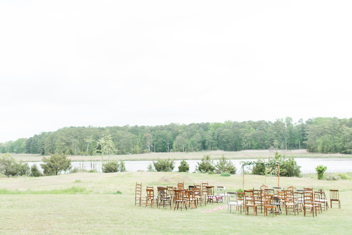 intimate-hampton-roads-virginia-backyard-pastel-wedding-by-norfolk-photographer-photo394