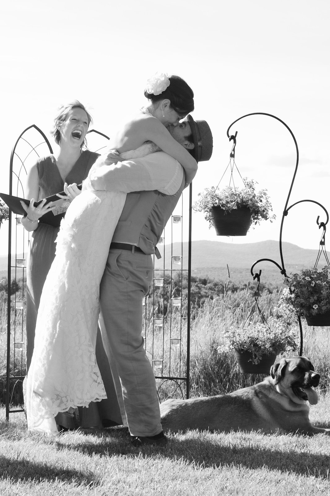 find a dog friendly Vermont wedding photographer