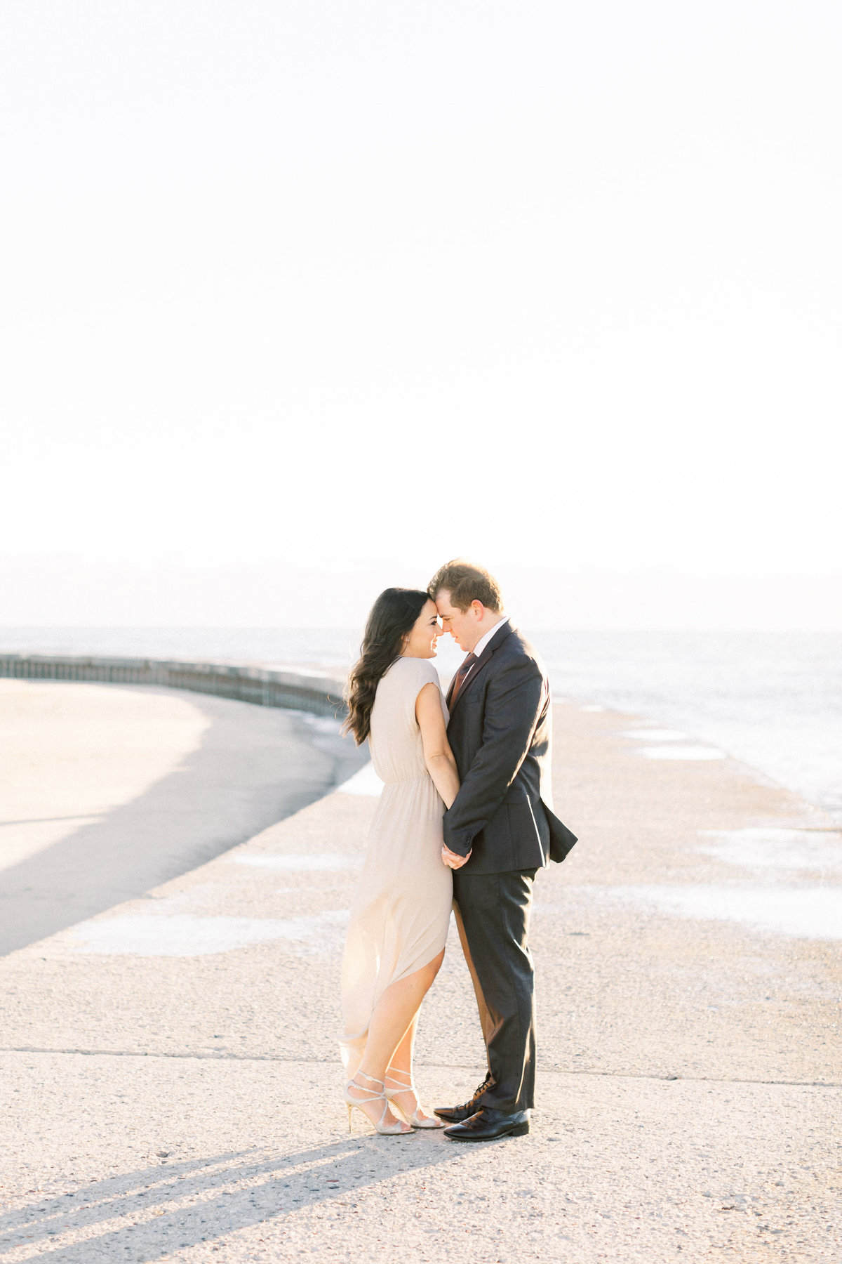 TiffaneyChildsPhotography-ChicagoWeddingPhotographer-Frankie+Brian-NorthAvenueBeach&RiverwalkEngagementSession-72