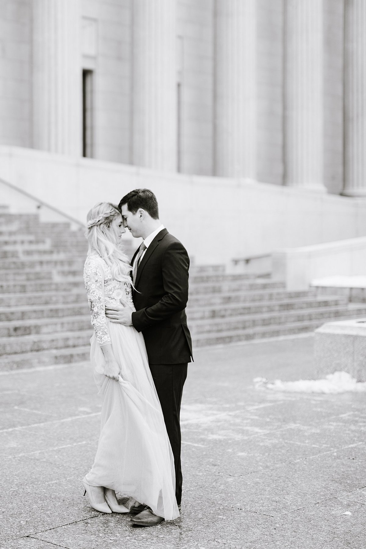 museum-of-fine-arts-proposal-engagement-boston-wedding-photographer-photo_0007