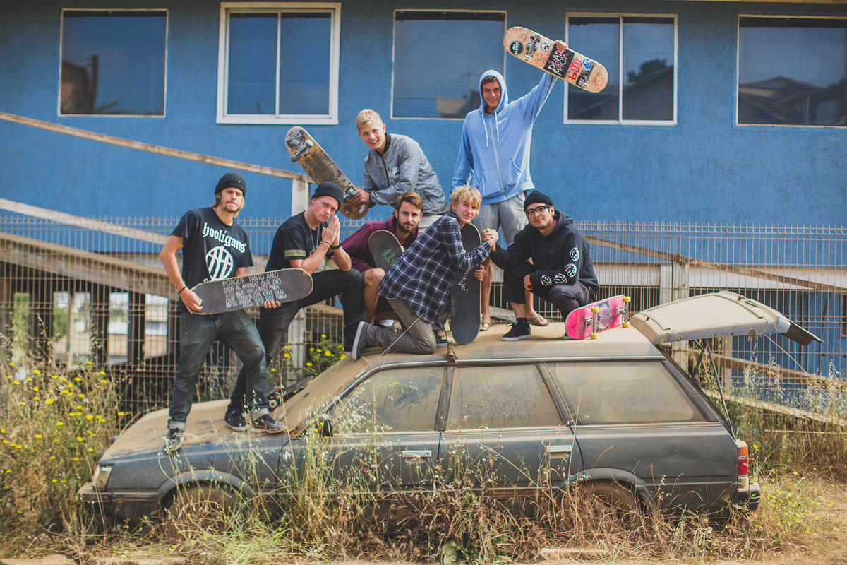 skatebaorders in chile with old abandoned car
