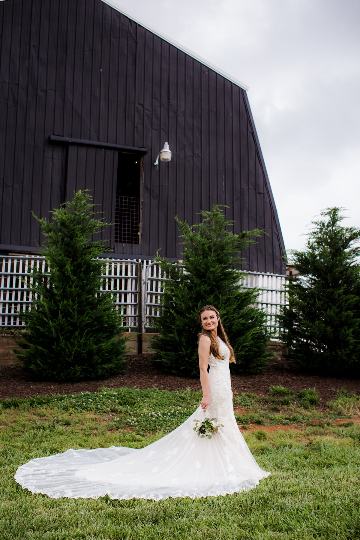 Nsshville Bride - Nashville Brides - The Hayloft Weddings - Tennessee Brides - Kentucky Brides - Southern Brides - Cowboys Wife - Cowboys Bride - Ranch Weddings - Cowboys and Belles050