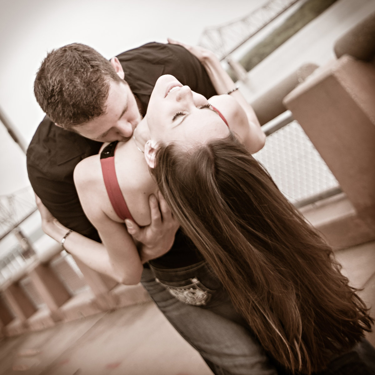 Sexy kiss for the Peoria, Illinois couple at the Peoria river front