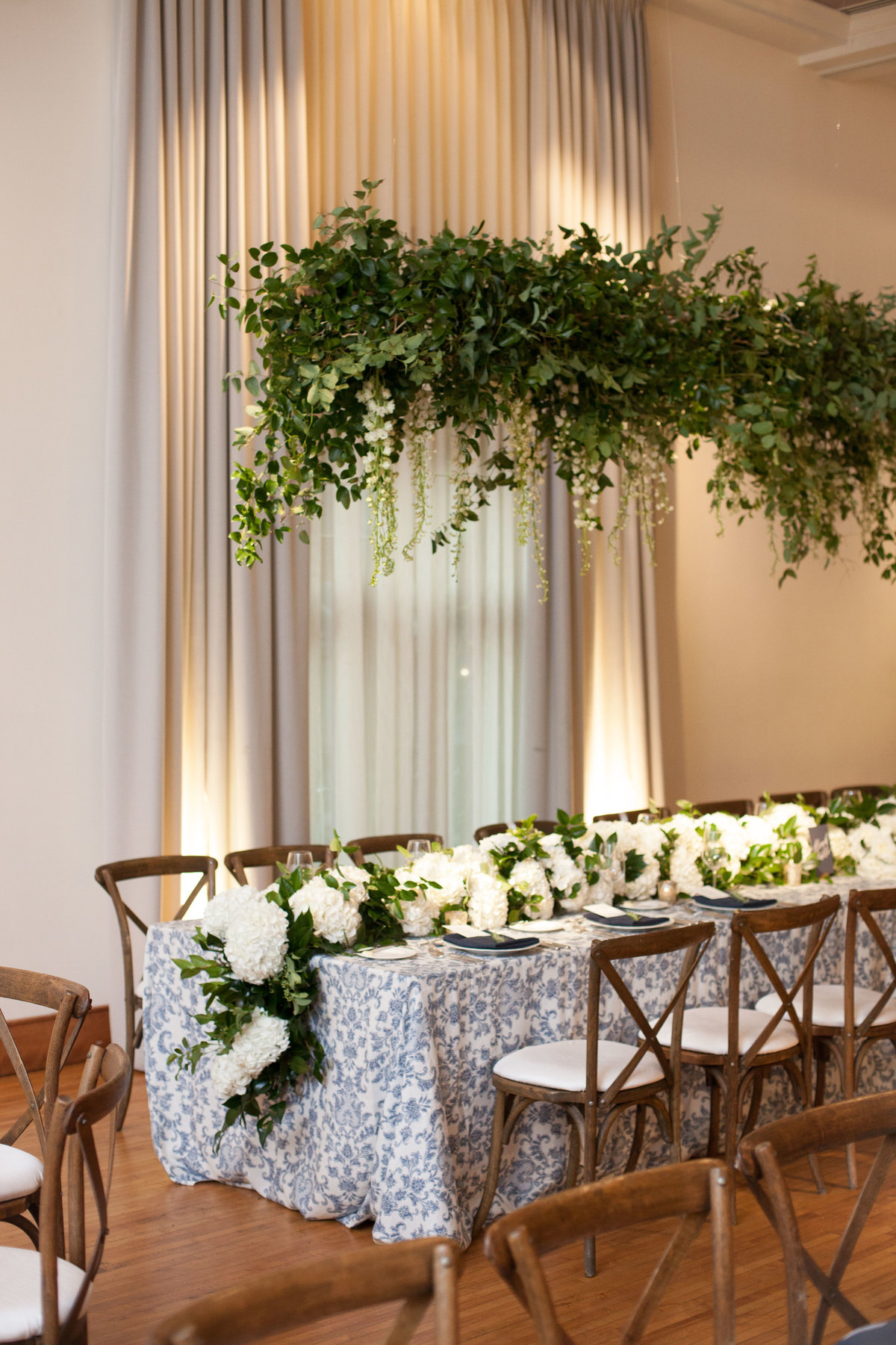 Life in Bloom Best Chicago Wedding Florist Ivy Room Preppy and Classic Wedding18