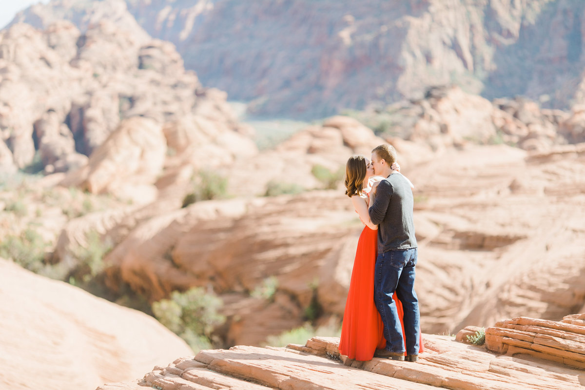 SnowCanyonAnniversarySession_LisaZach_CatherineRhodesPhotography-172-Edit
