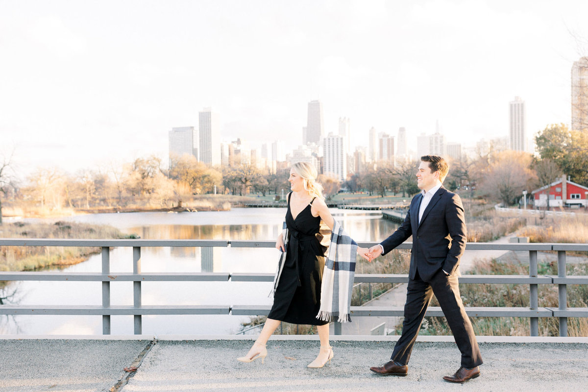 TiffaneyChildsPhotography-ChicagoWeddingPhotographer-AnneMarie+Connor-LincolnParkNatureBoardwalkEngagementSession-18