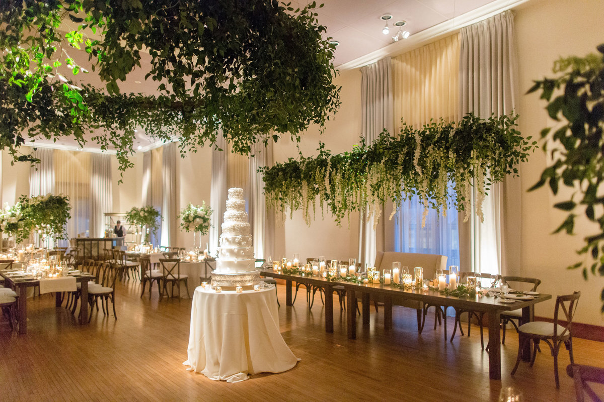 Luxury Wedding at The Ivy Room Chicago_15