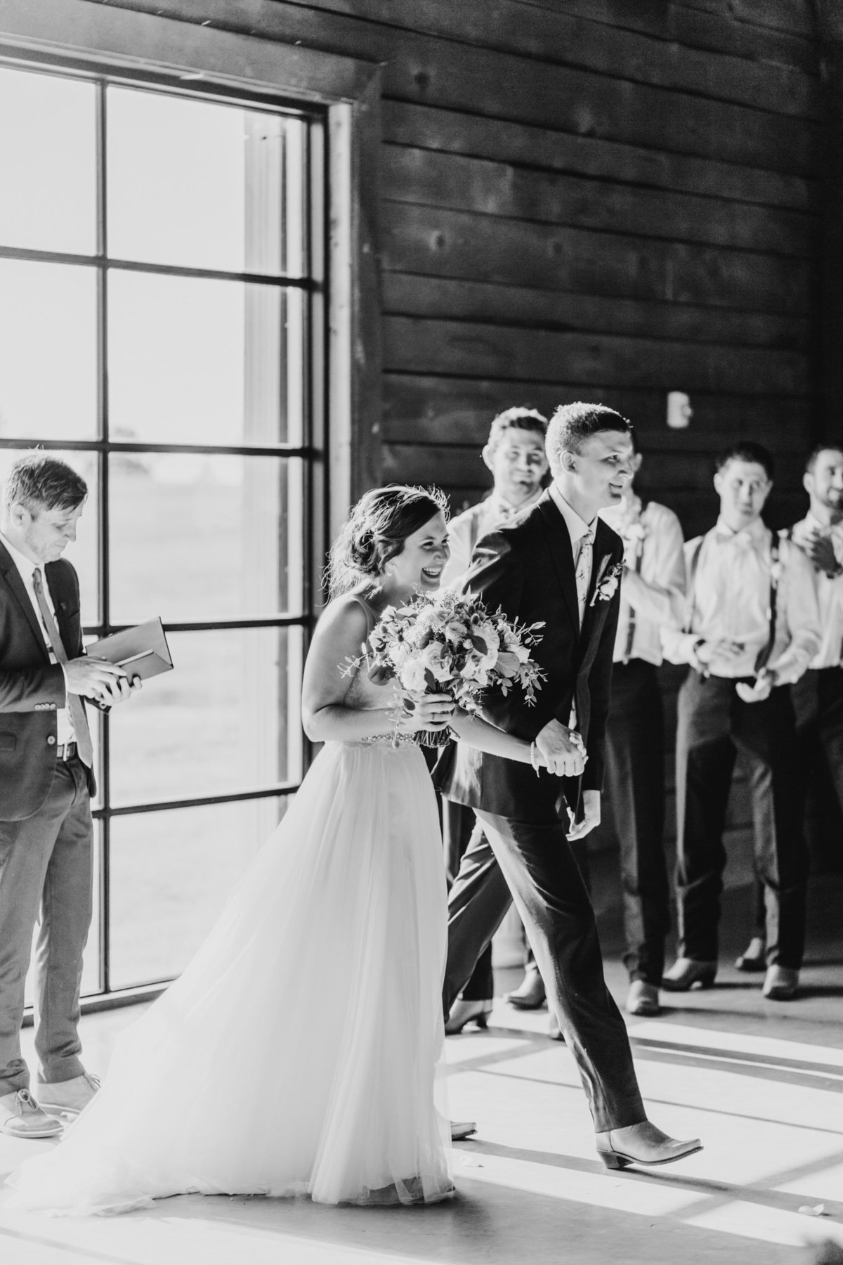 Alexa-Vossler-Photo_Dallas-Wedding-Photographer_North-Texas-Wedding-Photographer_Stephanie-Chase-Wedding-at-Morgan-Creek-Barn-Aubrey-Texas_105