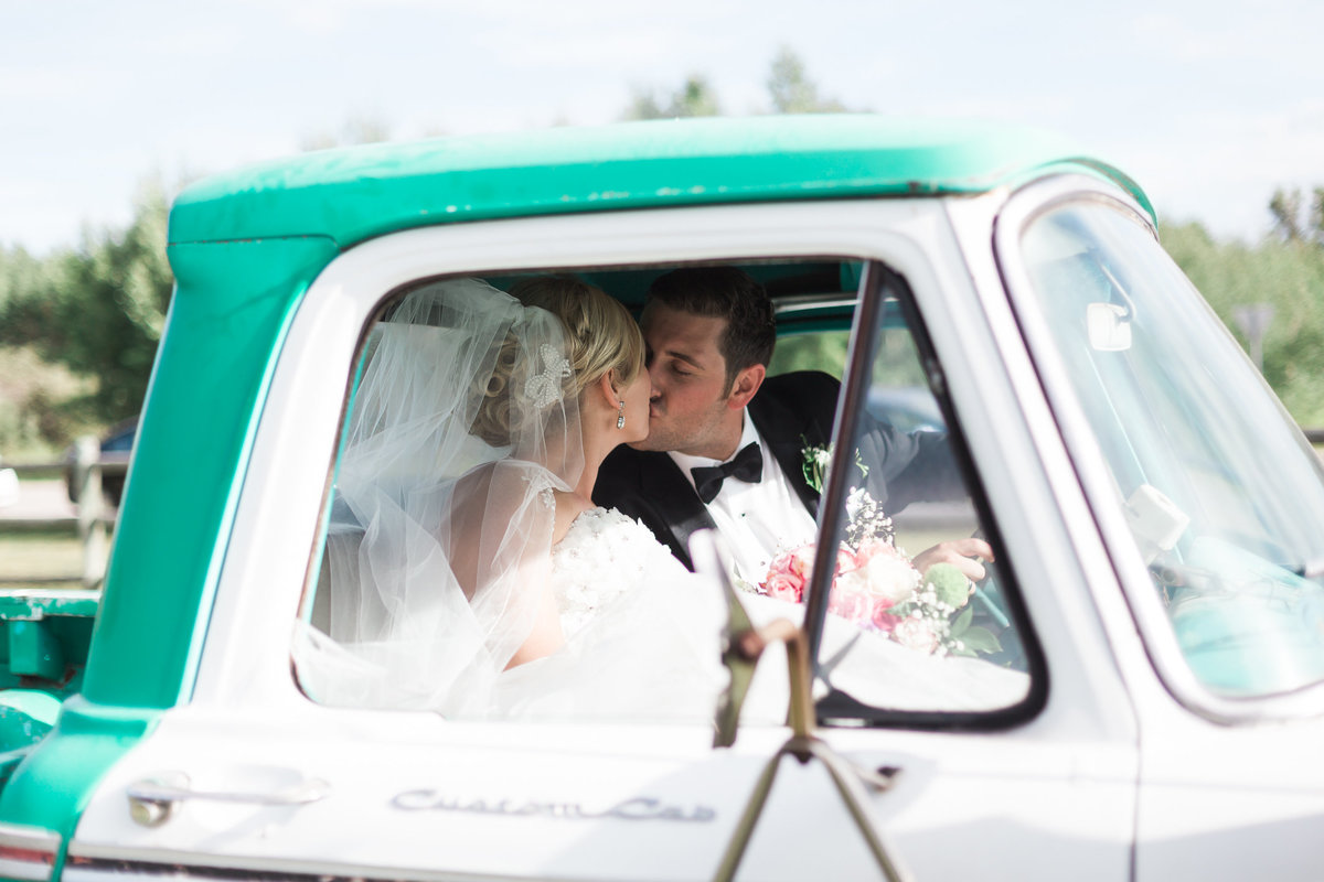 Victoria Blaire Best Kelowna Okanagan Wedding Photographer Whimsical|Romantic|Sentimental-139