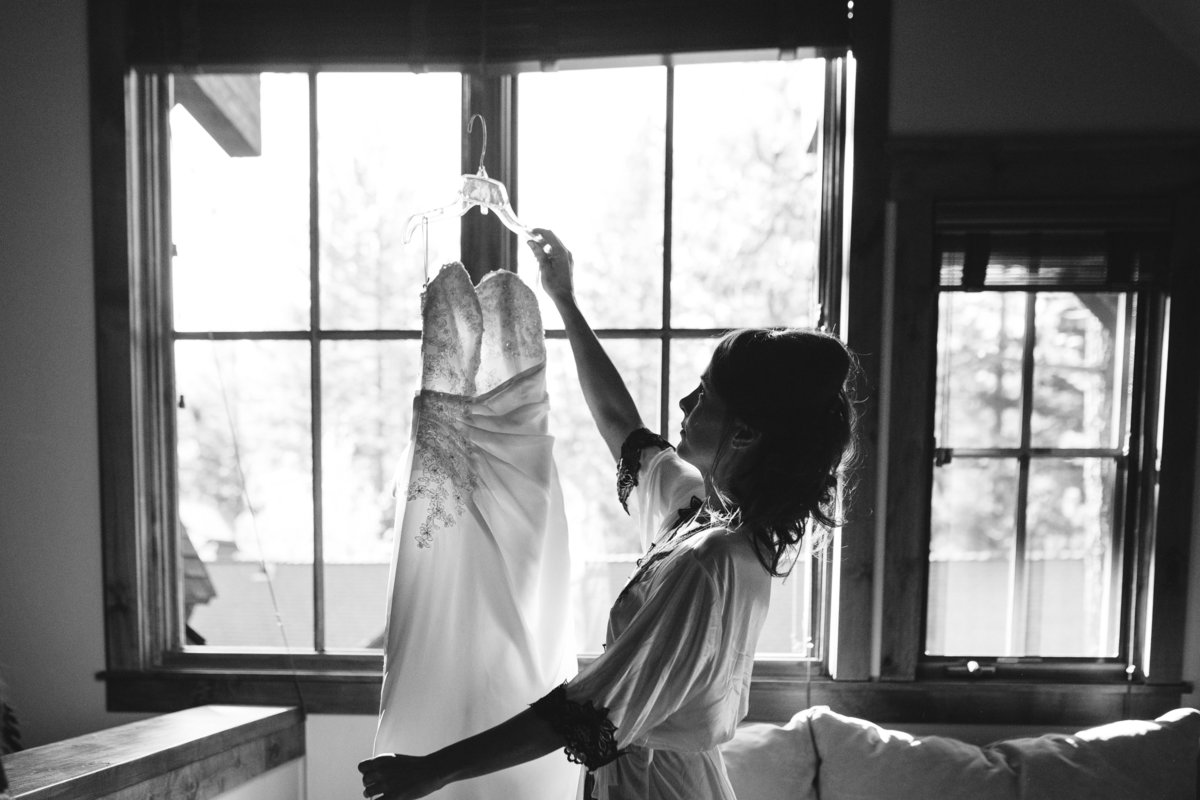 bride getting ready lake tahoe, ca