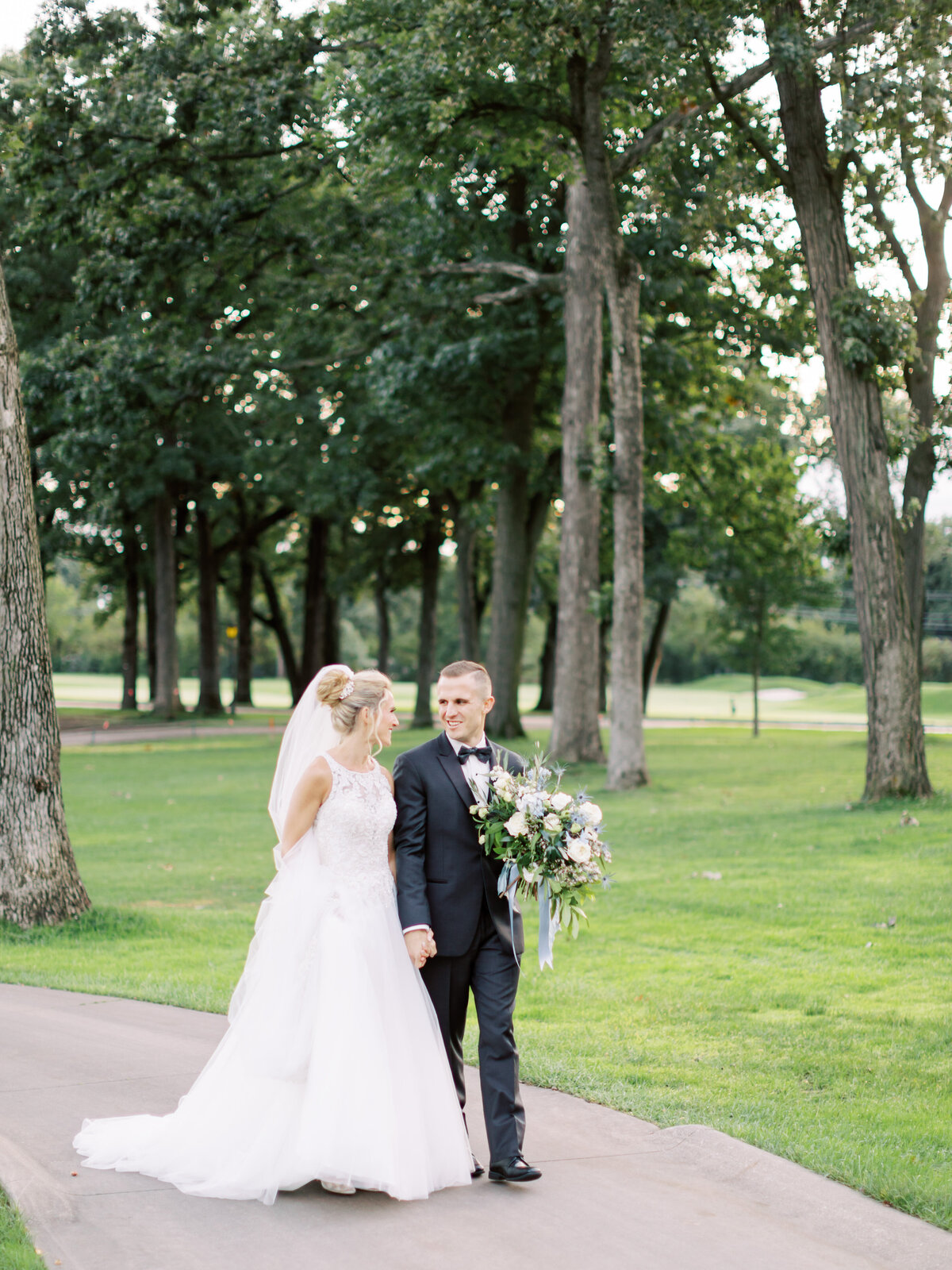 TiffaneyChildsPhotography-ChicagoWeddingPhotographer-Caitlin+Devin-MedinahCountryClubWedding-BridalPortraits-67