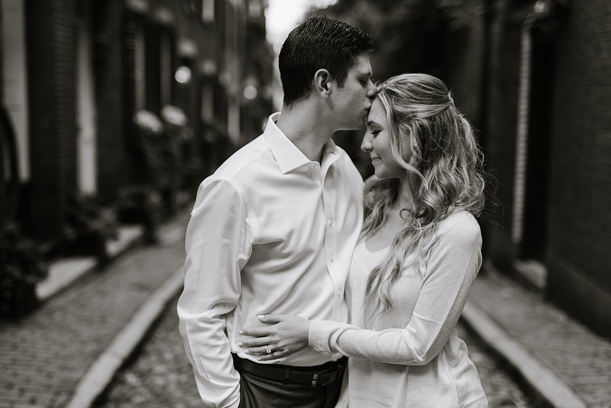 boston-public-garden-beacon-hill-boston-wedding-photographer-engagement-photo_0016