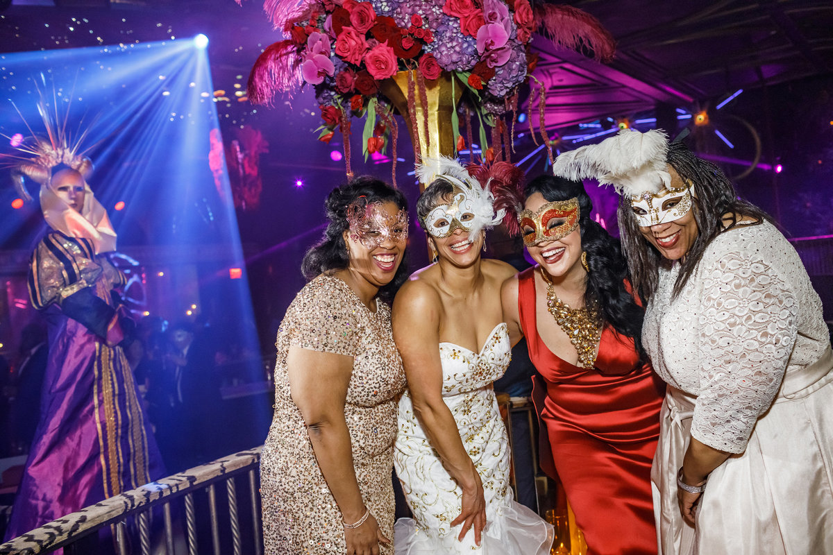 Masquerade_Party_Inspiration_New_York_Amy_Anaiz033