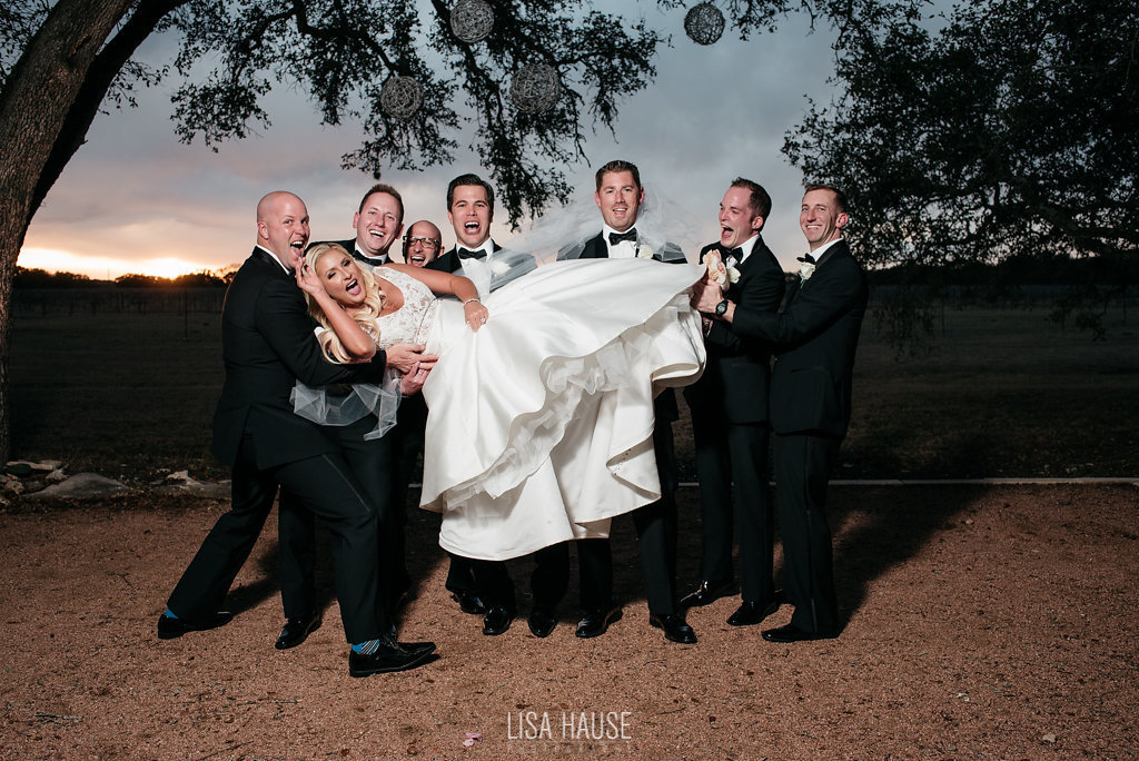 duchmanwinery_thelineymoon_lisahause_austinwedding_126