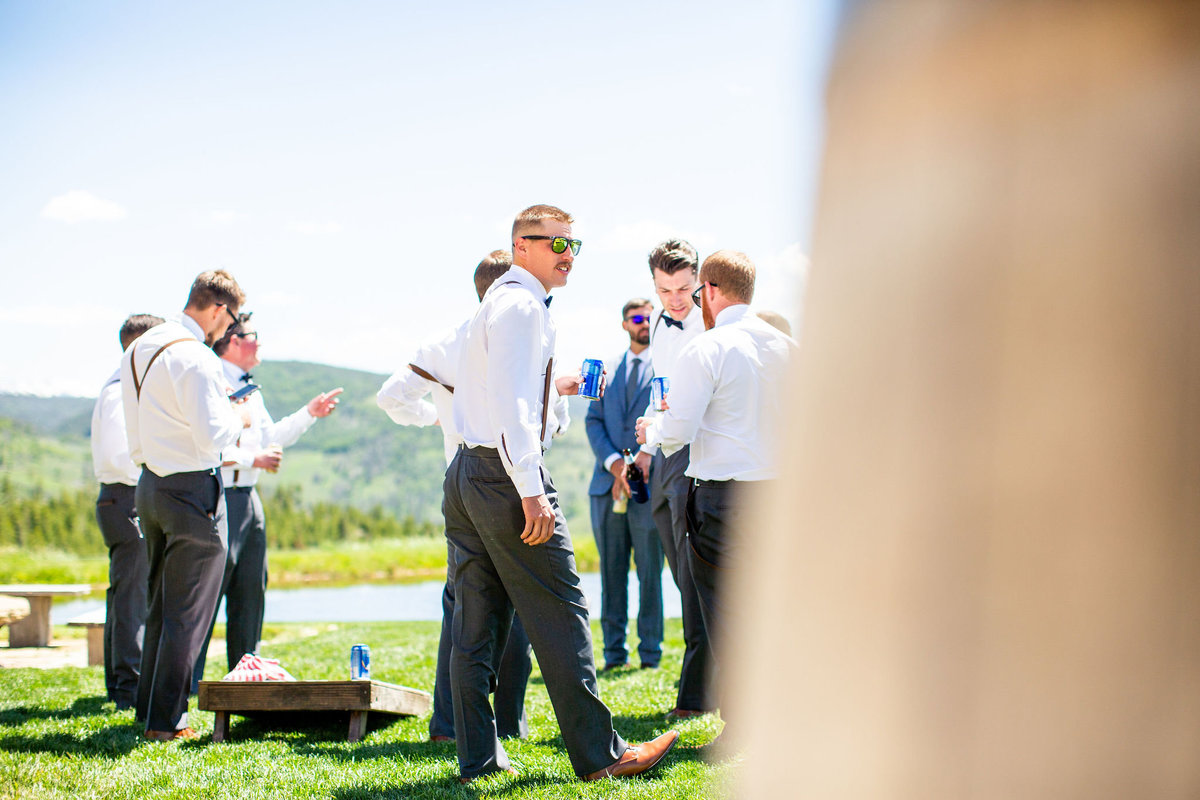 Strawberry-Creek-Ranch-Wedding-Ashley-McKenzie-Photography-Summer-love-on-the-ranch-Groosmen