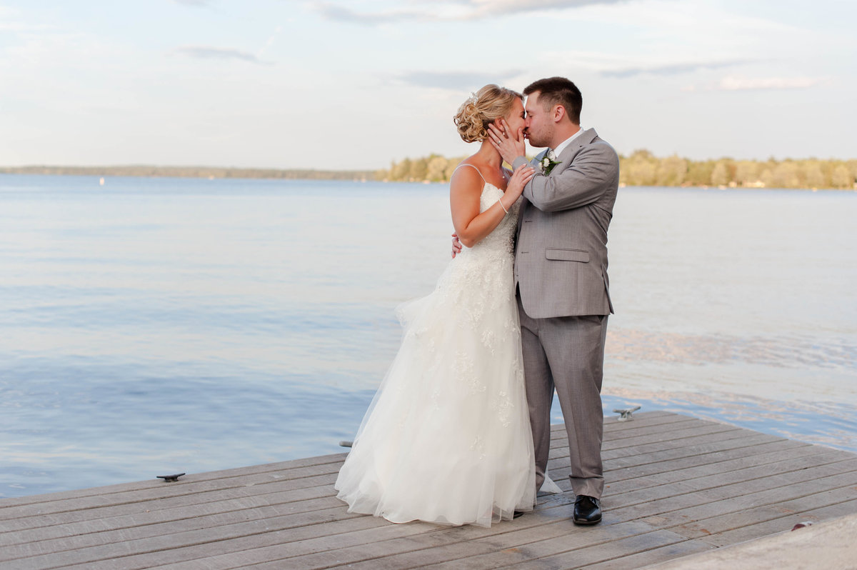 lakeside wedding photos linda barry photography