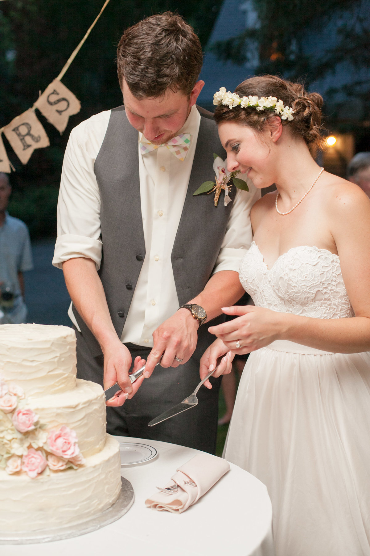 AlisonandJohnWedding-CakeCutting-3