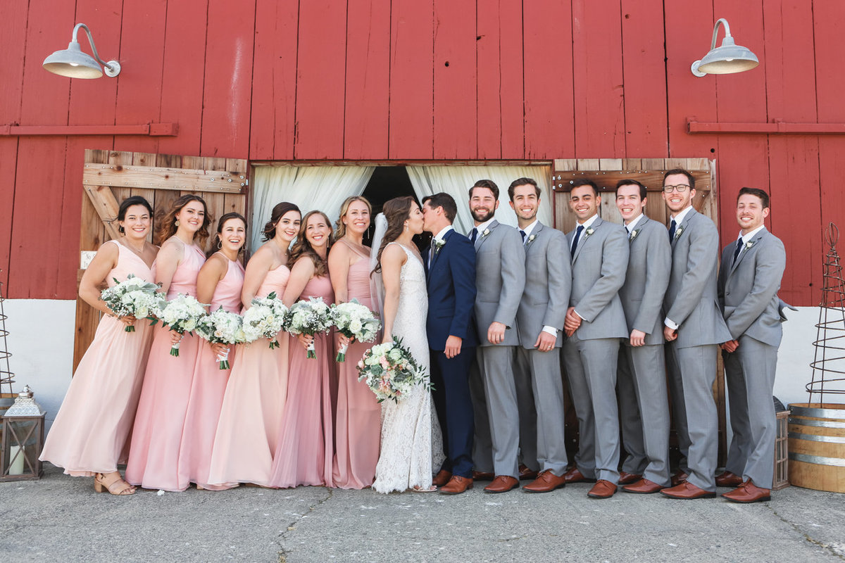 Napa Valley Wedding Photography, Wedding Party infront of the Barn