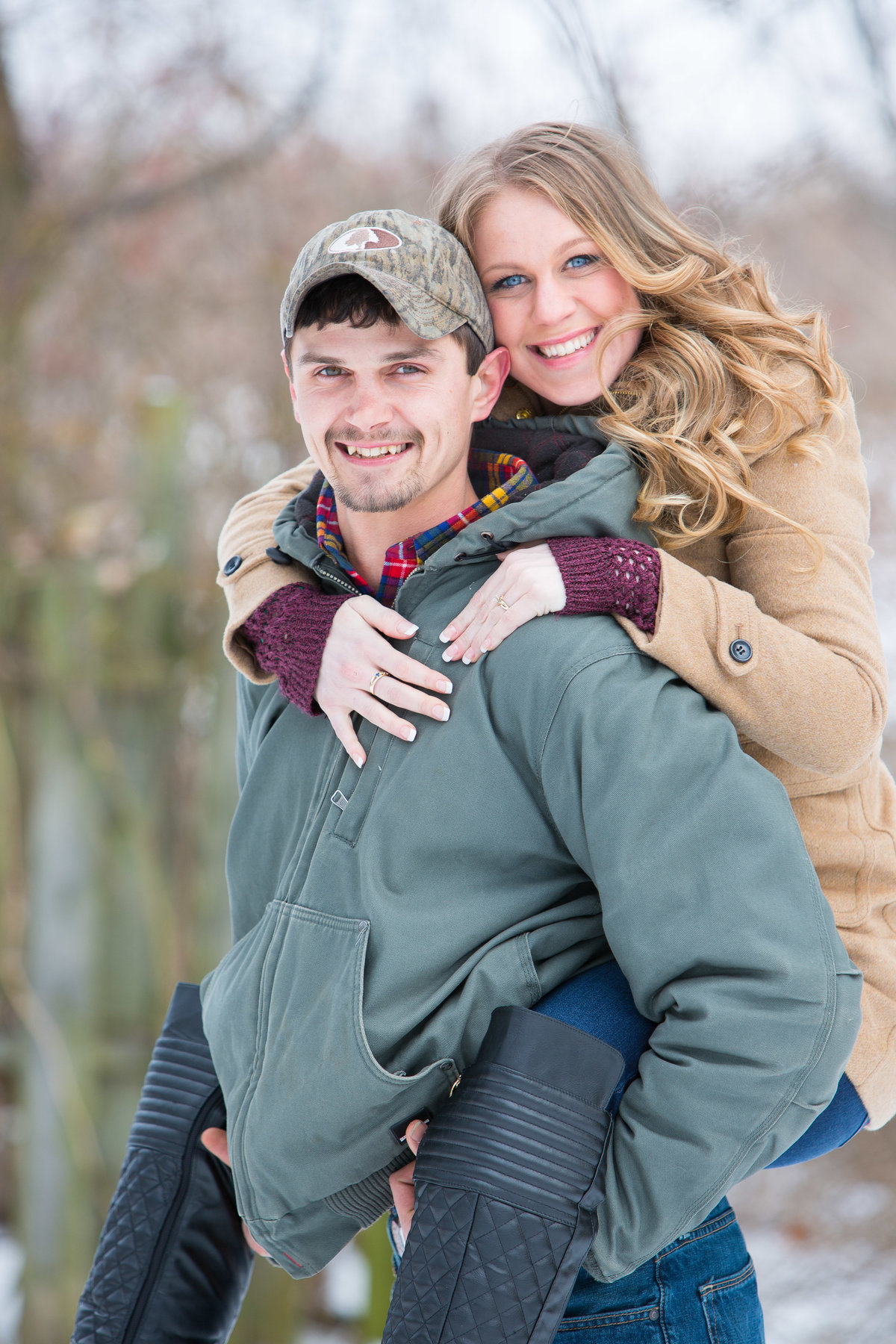 engagement photo outdoors winter