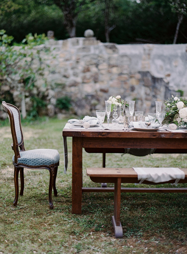 a-gorgeous-european-french-tablescape-max-gill-jill-lafleur-normandy-france-chateau-le-val-sylvie-gil-photography-melanie-gabrielle-photography-27
