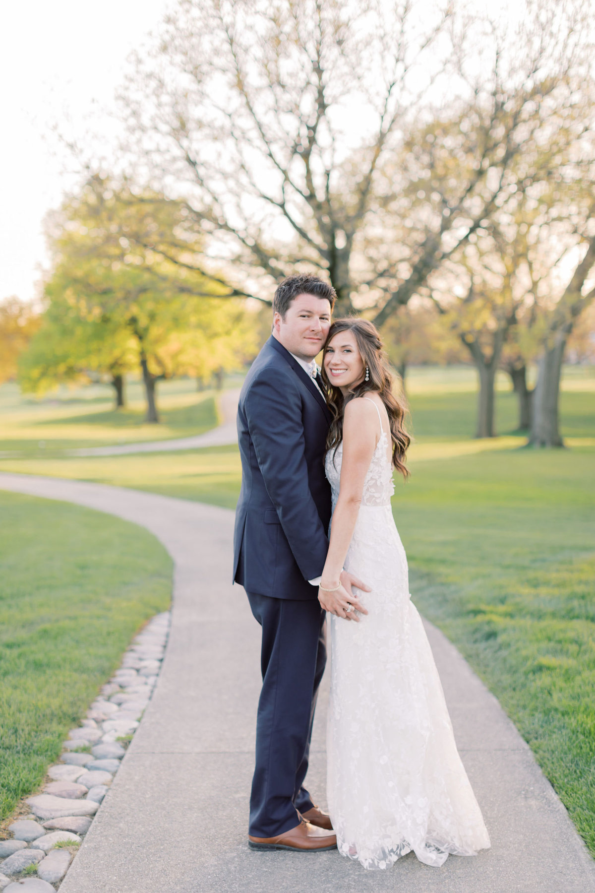 TiffaneyChildsPhotography-ChicagoWeddingPhotographer-Chloe+Jon-HinsdaleCountryClubWedding-BridalPortraits-100