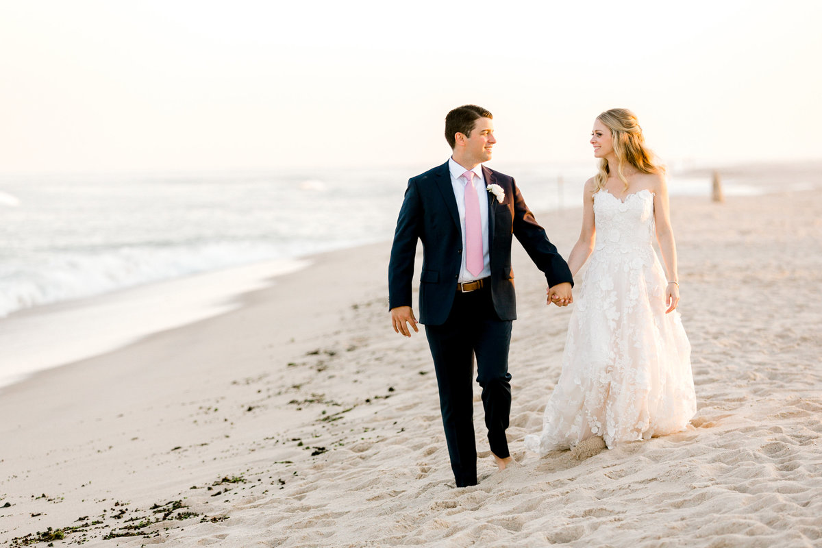 Bridgehampton-Romantic-Sunset-Bride-Groom-Wedding-Photo-Jessica-Haley