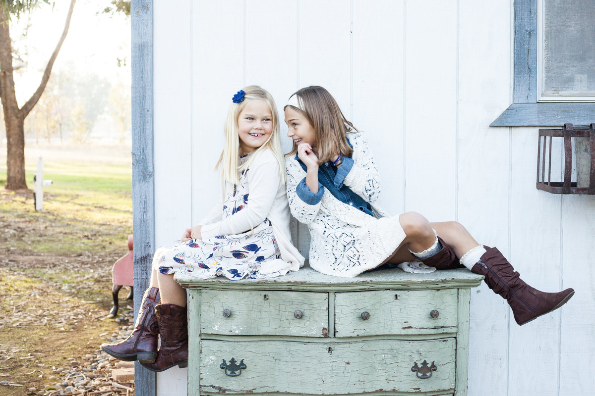 Sister-Love-Siblings-Halley-Lutz-Photography-Los-Angeles-Family-Photographer