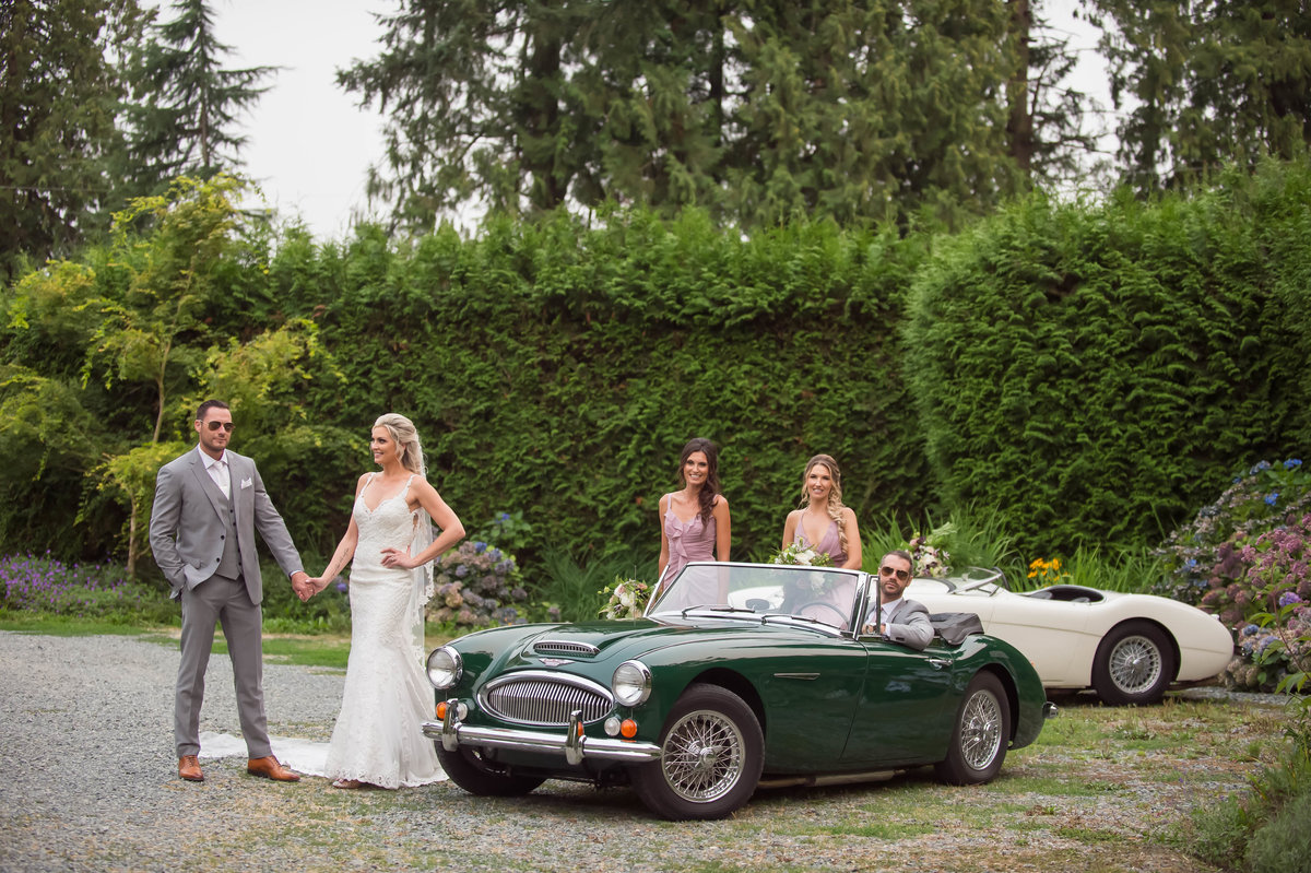 Vintage car wedding photos