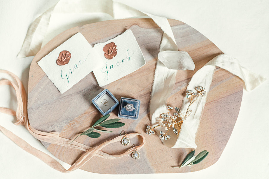 Bridal details, La Petite box for Engagement Ring