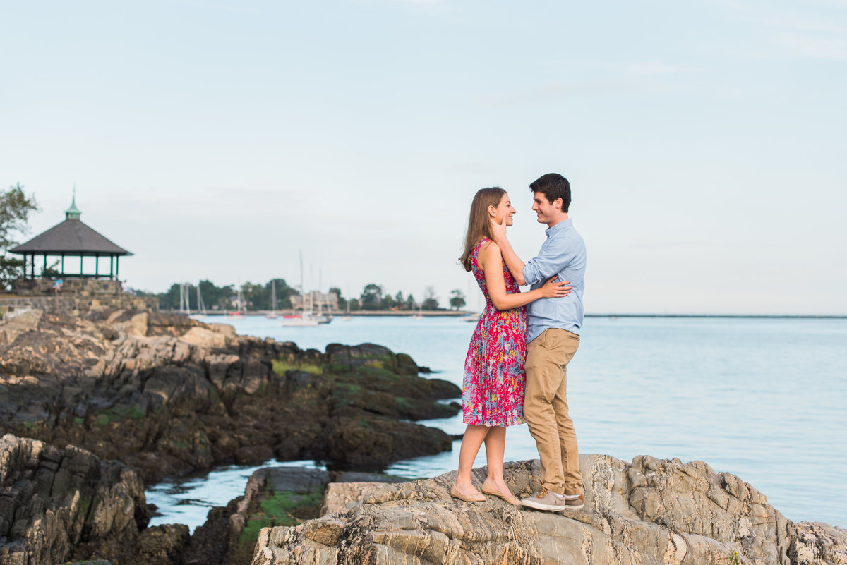 NY-Larchmont-Manor-Park-Engagement-Session-Photo-001