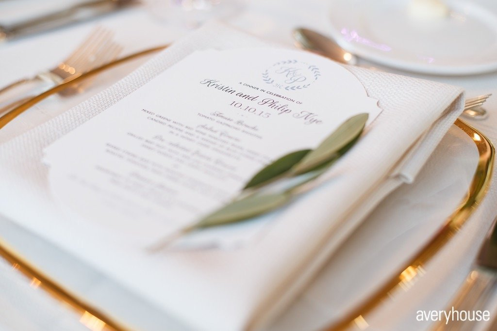 hinsdale_golf_club_chicago_wedding_florist_life_in_bloom_olive sprig place setting_best chicago wedding florist