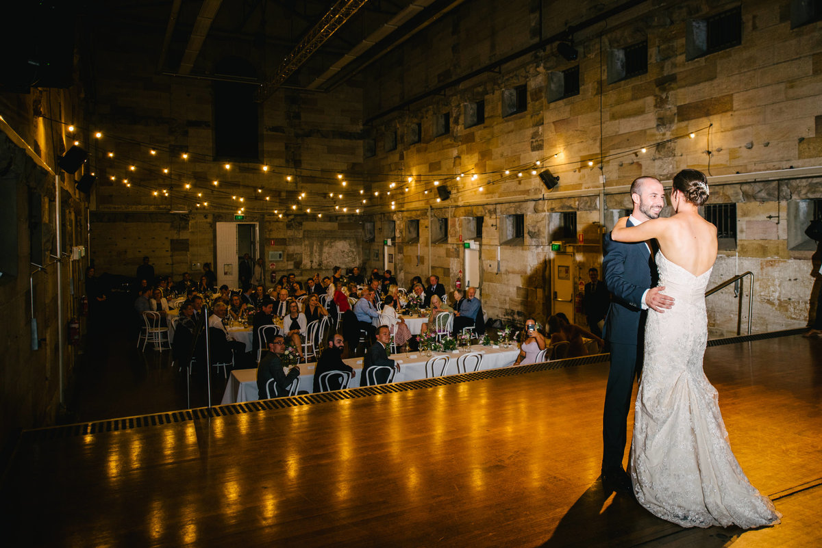 Bel-mat-nsw-state-library-cellblock-theatre-wedding-76