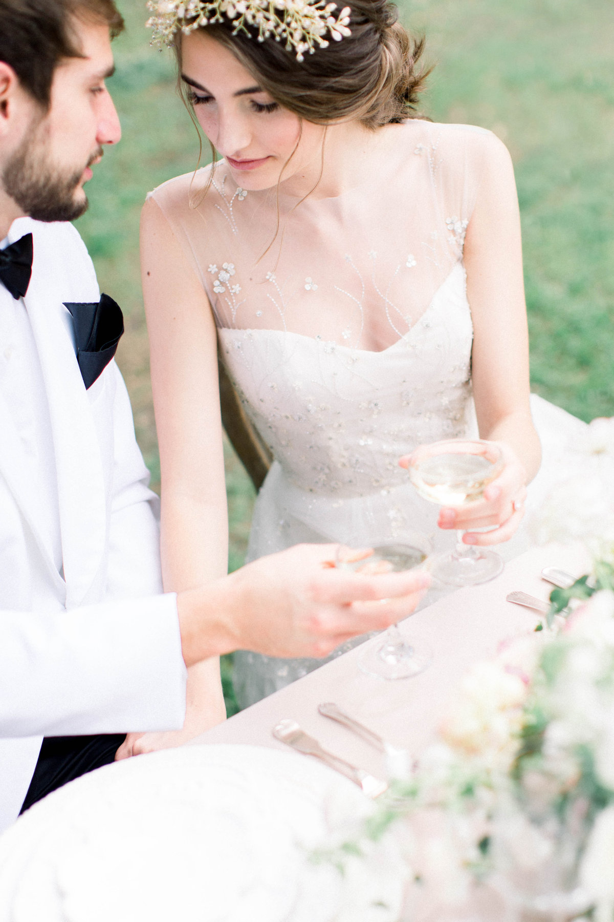 Raela is a fine art wedding planner in Charleston with a love for cohesive wedding design.