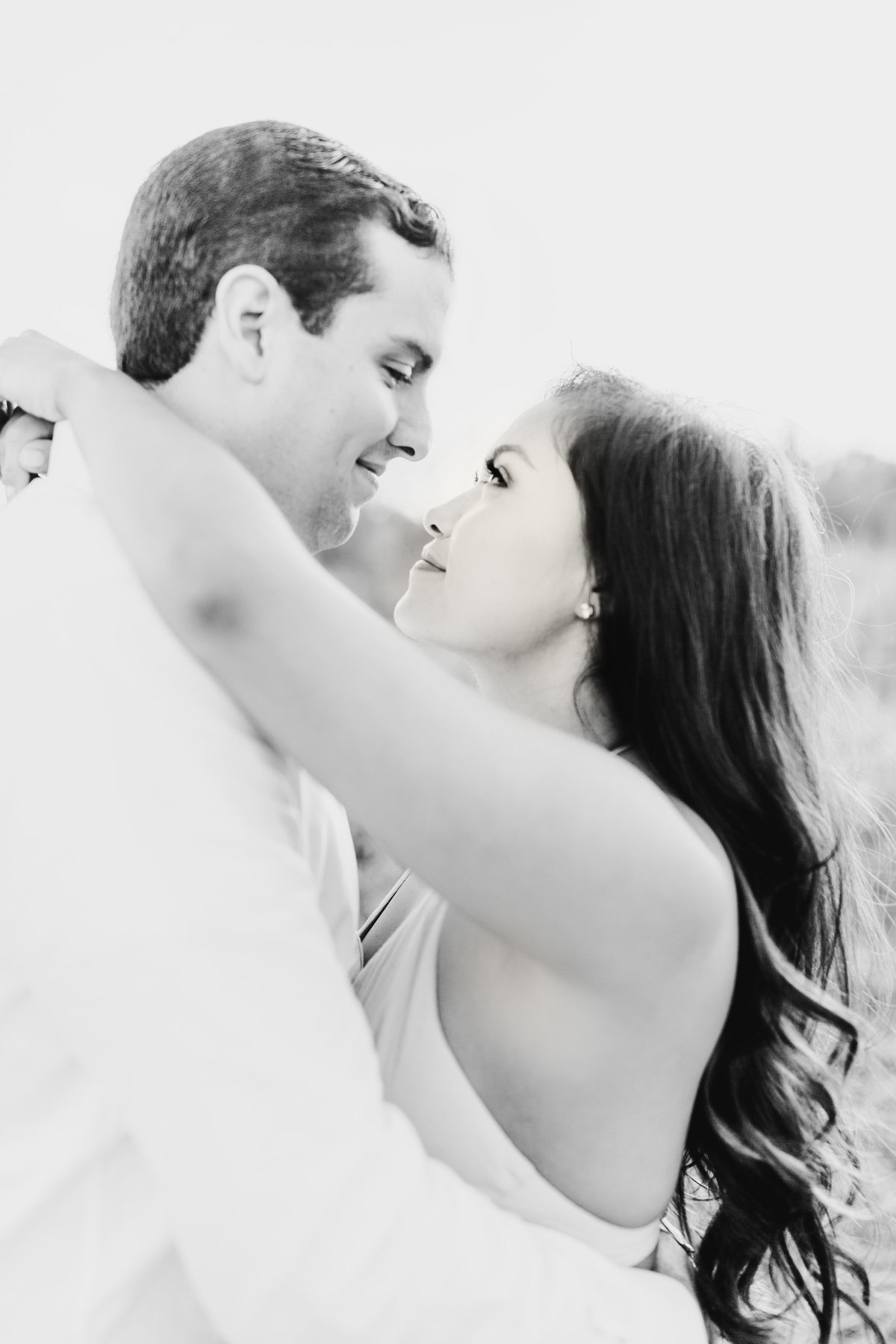 Alexa-Vossler-Photo_Dallas-Portrait-Photographer_White-Rock-Lake-Engagement-Session_Kaila-Gabe-33