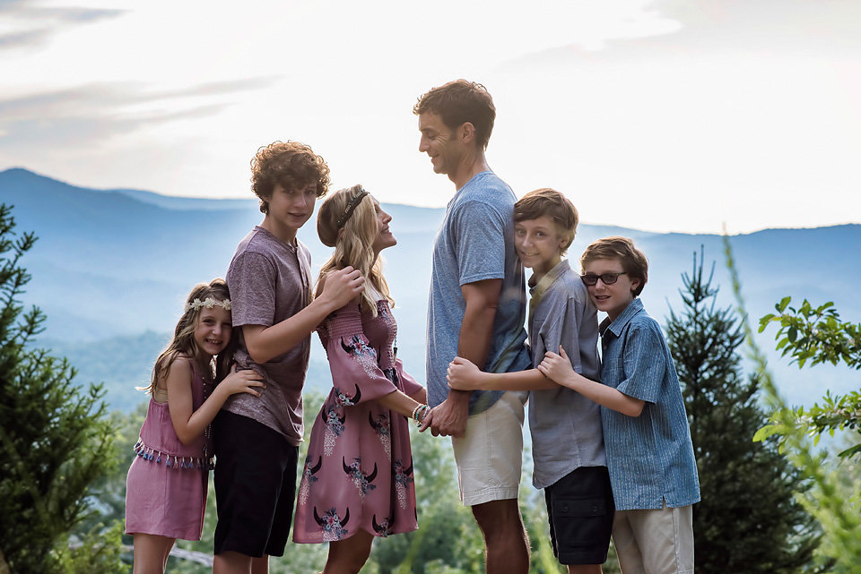 family_session_outdoors