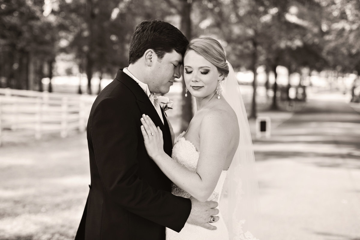 jadore_photographie_drake_britt_weddings_at_lay_lake_oak_island-532