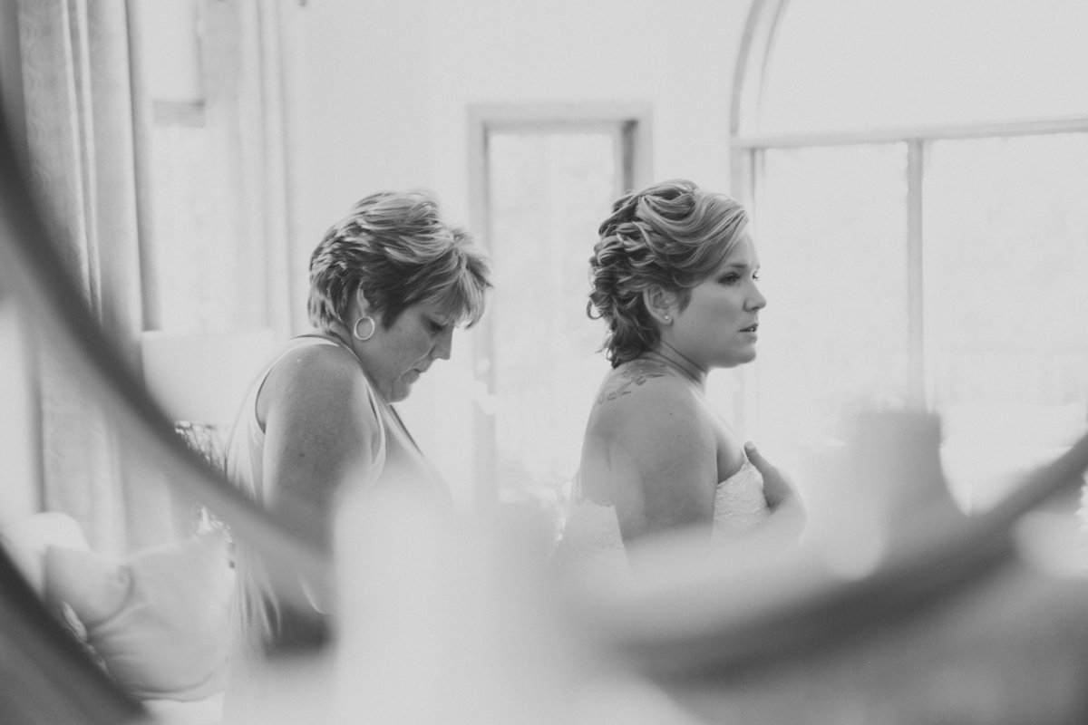 20140906-DrewandAmandaWeddingGettingReady(185of232)