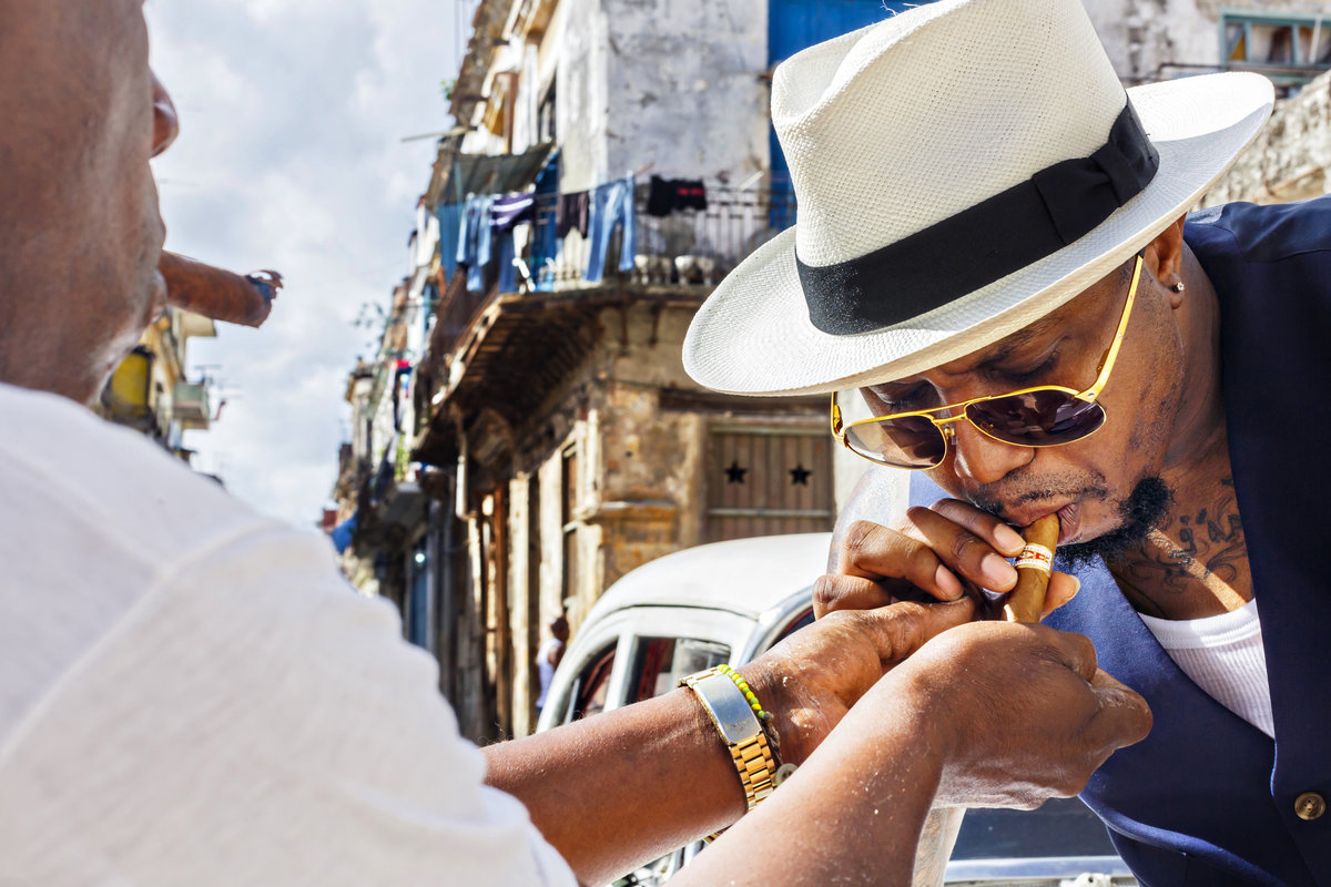 AmyAnaiz_Makini_Regal_Destination_Engagement_Havana_Cuba_051