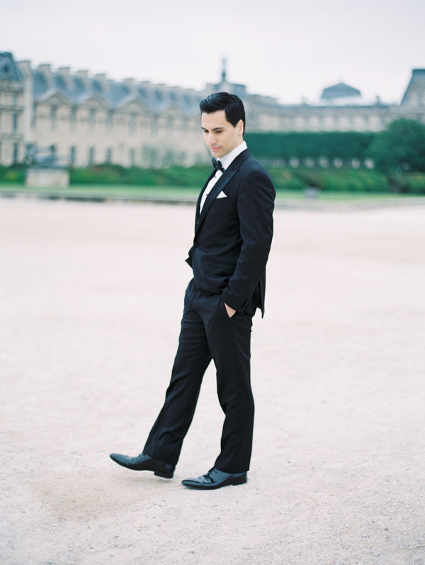 destination-wedding-in-paris-groom